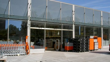 Muellermarkt-Seewalchen-neues-Portal-Fa.-Wema-Glasbau-GmbH