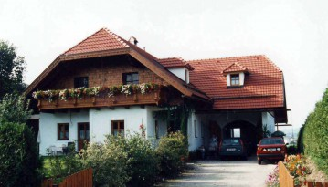 Wohnhaus-Russ-St.-Georgen